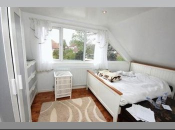 EasyRoommate UK - Spacious Room to let it an immaculate home., Wembley Park - £600 pcm