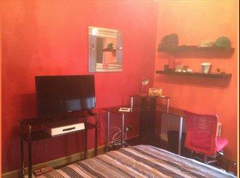 EasyRoommate UK - home comforts, Macclesfield - £400 pcm