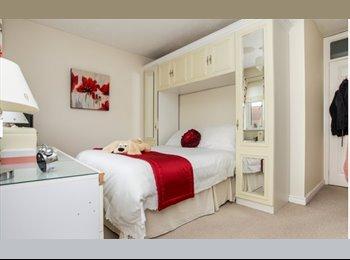 EasyRoommate UK - Bright Room, Bedford - £500 pcm