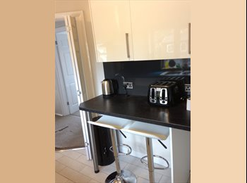 EasyRoommate UK - REFURBISHED HOUSE CENTRAL CHELMSFORD, Chelmsford - £495 pcm