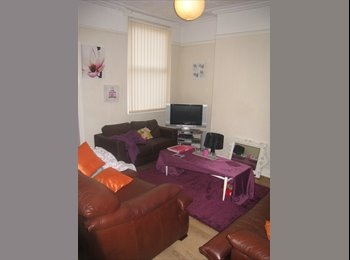 EasyRoommate UK - Student House, 4 Bedrooms, Close to Uni Campus, Kensington - £345 pcm