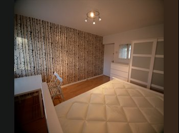 EasyRoommate UK - BEAUTIFULLY DECORATED ROOM IN WIMBLEDON, Southfields - £550 pcm
