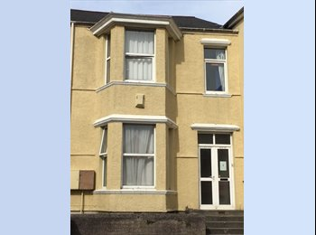 EasyRoommate UK - Student house-Less than 1 Min from the Uni..., Plymouth - £340 pcm