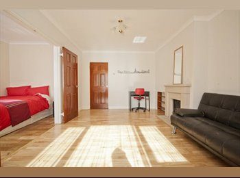 EasyRoommate UK - **ALL INCLUSIVE DOUBLE ROOM**, Putney - £650 pcm