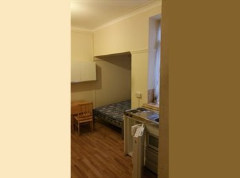 EasyRoommate UK - Excellent Location* Double Studio Flat, Angel - £900 pcm