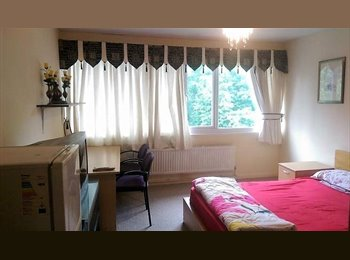 EasyRoommate UK - Large Dbl Room &  In Fishermead , Milton Keynes - £520 pcm
