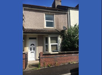 EasyRoommate UK - Double Rooms available in great location, Easton - £400 pcm