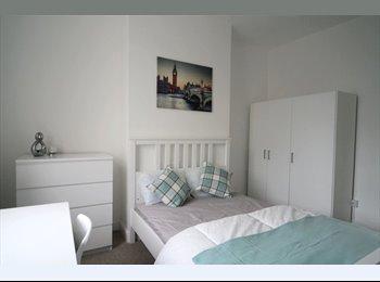 EasyRoommate UK - Lovely house share - walking distance to Gloucester City Centre, Gloucester - £425 pcm