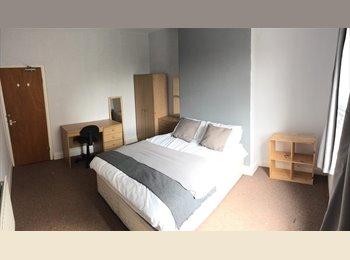 EasyRoommate UK - *Private ensuite *City Centre 5min to Hallamshire 2min to Uni, Netherthorpe - £475 pcm