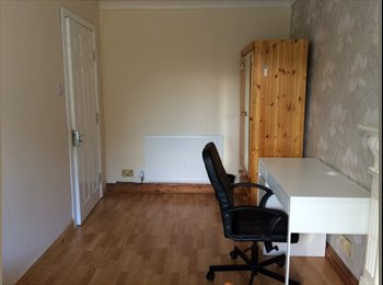 EasyRoommate UK - Beautiful House, Only  a10 minute walk to Cov Uni., Coventry - £450 pcm