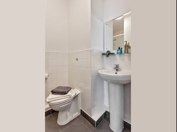 EasyRoommate UK - Open for 2017-2018 Academic year Bookings! Deluxe ensuite, Studios and Penthouse flats available., Wembley Park - £740 pcm