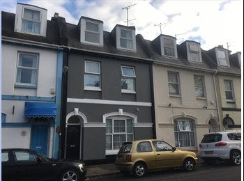 EasyRoommate UK - 6 Bedroom Victorian Home. ALL ROOMS NOW REDUCED TO £100 PER WEEK, Torquay - £433 pcm