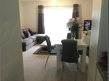 EasyRoommate UK - Beautiful, clean, quiet new build double bedroom, Slough - £600 pcm
