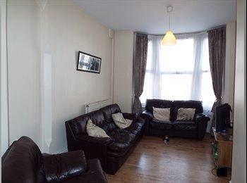 EasyRoommate UK - 5 Bedroom Student Flat - Great Location!, Nottingham - £302 pcm