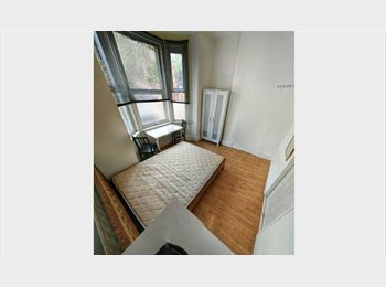 EasyRoommate UK - Refurbished Spacious House In the centre - No Agency , Walworth - £680 pcm