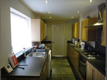 EasyRoommate UK - New refurb spacious double £325pcm inc bills Wavertree, Wavertree - £325 pcm