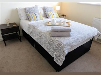 EasyRoommate UK - Deluxe Double in Newly Furnished Modern House, Maidenhead - £500 pcm