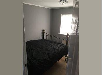 EasyRoommate UK - Double room , Newall Green - £400 pcm