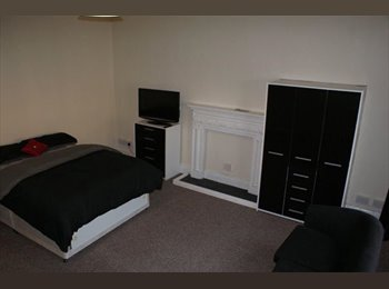 EasyRoommate UK - * newly refurbished* 6 Bed House to rent! Rooms available immediately   , Mexborough - £320 pcm