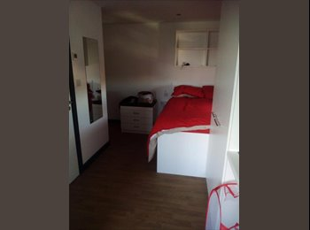 EasyRoommate UK - Studio to rent in Southampton, Southampton - £725 pcm