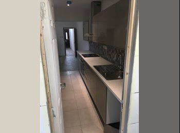 EasyRoommate UK - Double room available in lincoln, Lincoln - £390 pcm