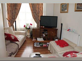 EasyRoommate UK - Fantastic 5 Bed Student Flat Close To Nottingham Trent University , Nottingham - £328 pcm