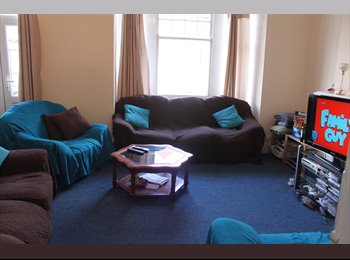 EasyRoommate UK - Putney - 2 x Double Rooms - Available April, Putney - £790 pcm