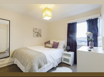 EasyRoommate UK - Double Bedroom 2 mins from Chiswick Park Tube, Chiswick - £738 pcm