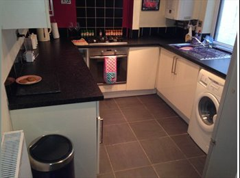 EasyRoommate UK - Double room to rent/let in the Centre of town all bills included, Weston-super-Mare - £390 pcm