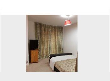 EasyRoommate UK - Double room for rent, Bulls Cross - £650 pcm