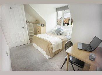 EasyRoommate UK - Beautiful Room in West Hampstead, West Hampstead - £740 pcm