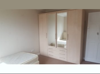 EasyRoommate UK - Double room to rent in Hartford, Huntingdon - £500 pcm
