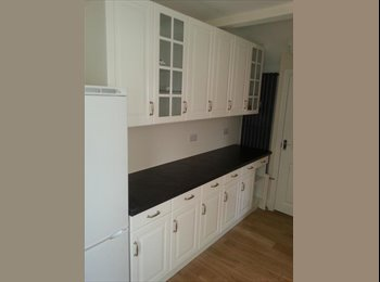 EasyRoommate UK - New Large double room with ensuite , Stanley - £395 pcm