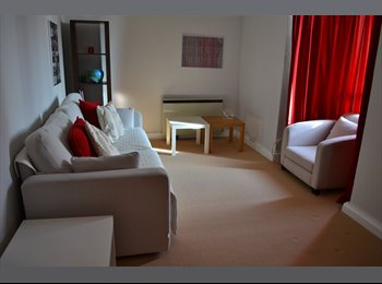 EasyRoommate UK - Spacious double room off Clapham Junction station, Battersea - £758 pcm