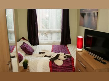 EasyRoommate UK - DOUBLE ROOM EARLSDON COVENTRY - CLEANING & BILLS INCL, Chapel Fields - £425 pcm