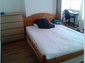 EasyRoommate UK - Room to rent near Coventry city centre, Whitley - £340 pcm