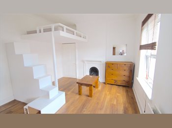 EasyRoommate UK - Studio style double rooms available, Kettering - £450 pcm