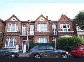 EasyRoommate UK - Great Double + Office/Dressing Rm., Putney - £875 pcm