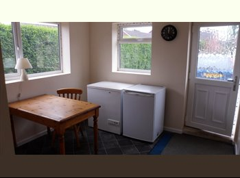EasyRoommate UK - Detached House quiet area ..great location, Scunthorpe - £325 pcm
