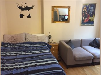 EasyRoommate UK - Beautiful double room to let in Putney (3 months stay), Roehampton - £600 pcm