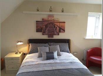 EasyRoommate UK - Stunning Double Suite near Slough, Maidenhead - £600 pcm