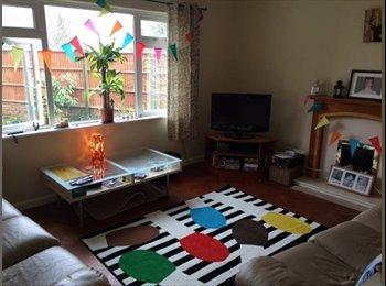 EasyRoommate UK - Spacious double rooms available, Heath area., Heath - £320 pcm