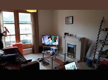 EasyRoommate UK - Modern Double bedroom with Ensuite bathroom, Edinburgh - £585 pcm