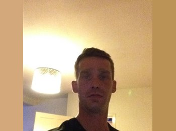 EasyRoommate UK - Jamie - 36 - Chesterfield