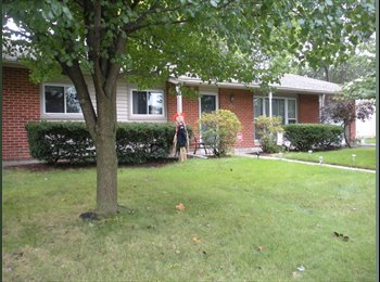EasyRoommate US - Laurie room to rent, Schaumburg - $700 pm