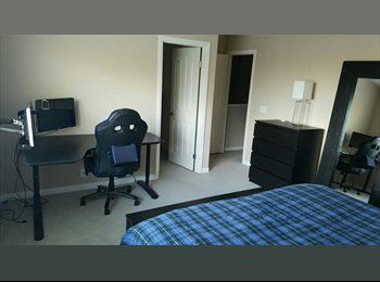 EasyRoommate US - Furnished master bed and bath for female!, University City - $900 pm