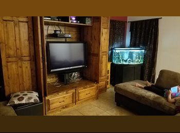 EasyRoommate US - Master Size Bedroom & pvt Bathroom up for rent, San Tan Valley - $350 pm