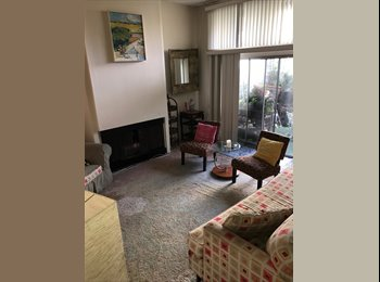 EasyRoommate US - GORGEOUS Townhouse has master suite available ! FREE utilities., Del Rey - $1,600 pm
