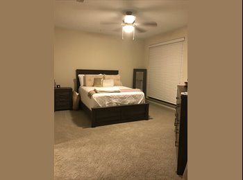 EasyRoommate US - Room for Rent - Short Sublease, Music Row - $900 pm