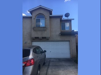 EasyRoommate US - clean, quiet, furnished room for rent, Manteca - $725 pm